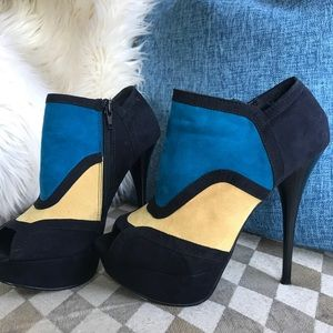 Qupid Shoes - QUPID Teal and black high heel booties size 7.5